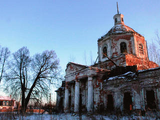 Заброшенная церковь вПорзднях