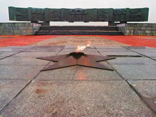 Мемориал героям Курской битвы вЯковлево