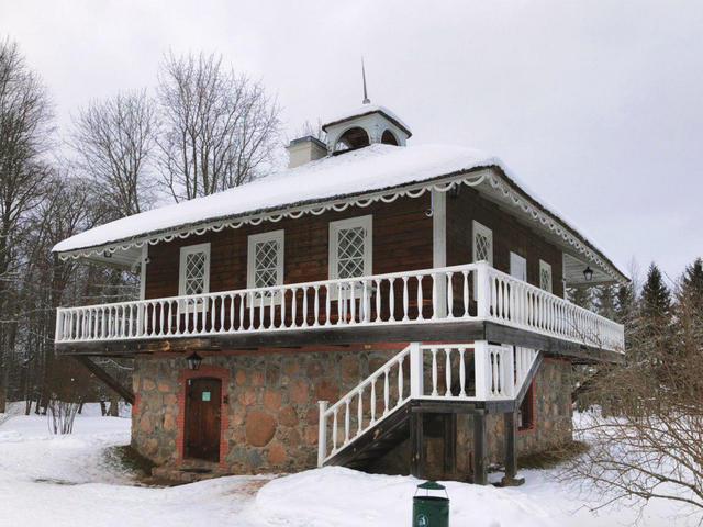 Музей-усадьба Петровское