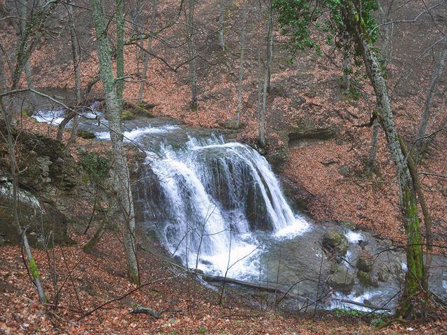 Водопад Головкинского