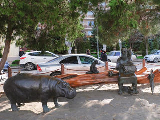 Памятник Айболиту