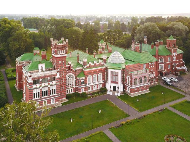 Шереметьевский замок вЮрино