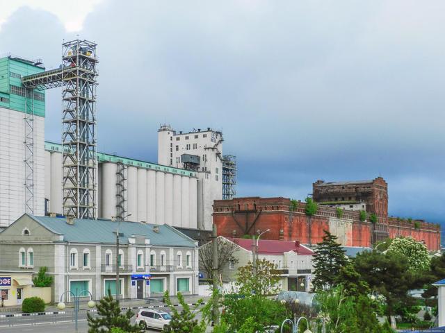 Здание элеватора вНовороссийске