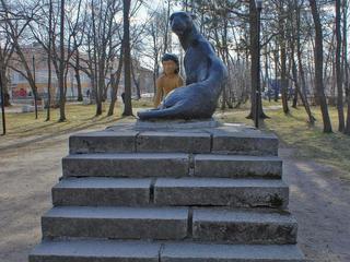 Памятник Маугли вПриозерске
