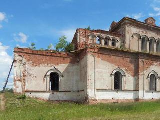 Заброшенная церковь в урочище Свобода