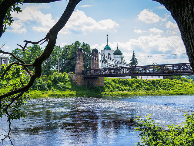 Цепной мост вОстрове
